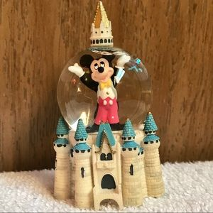 Disney; Mickey Mouse castle snow globe